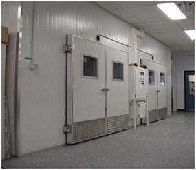 Environmental testing chamber for Dermaray phototherapy.